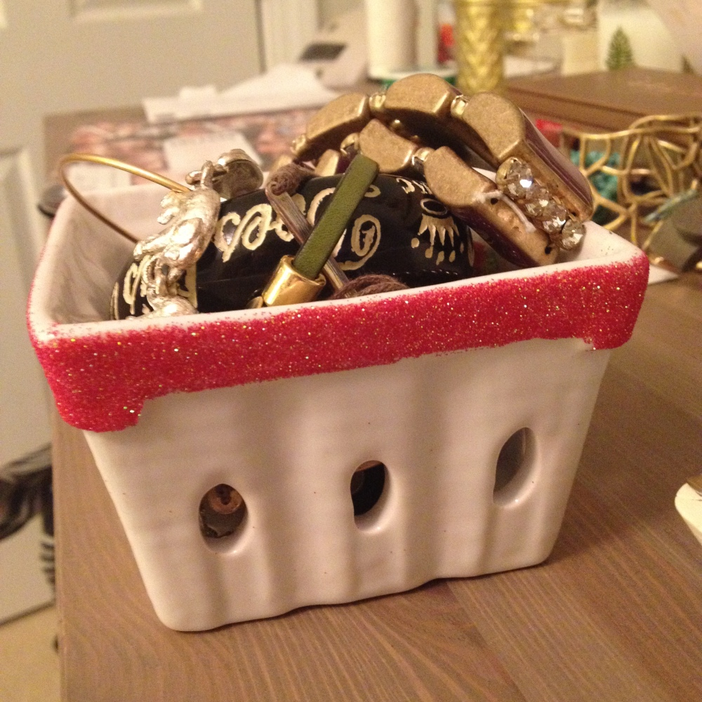 DIY Anthropologie glitter ceramic baskets